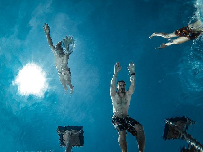 summer_jump_water-iht5yle-jng.jpg