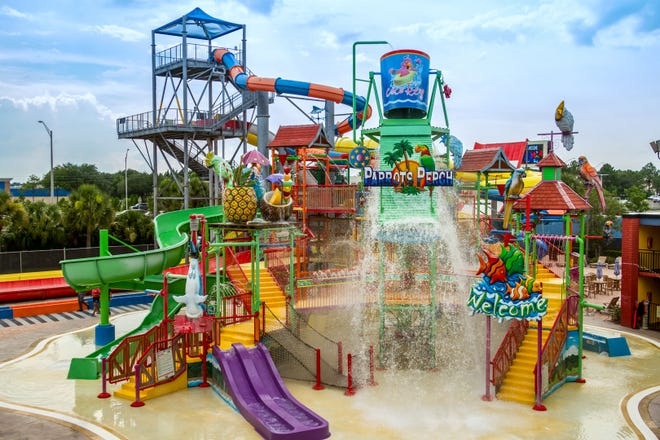 CoCo Key offre 54000 pieds carrés de plaisir dans les parcs aquatiques, la plupart sous un auvent d'ombrage surdimensionné.
