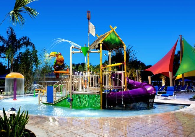 Les clients du Renaissance Orlando peuvent profiter du parc aquatique sur place ou des attractions à proximité de SeaWorld, Aquatica et Discovery Cove.