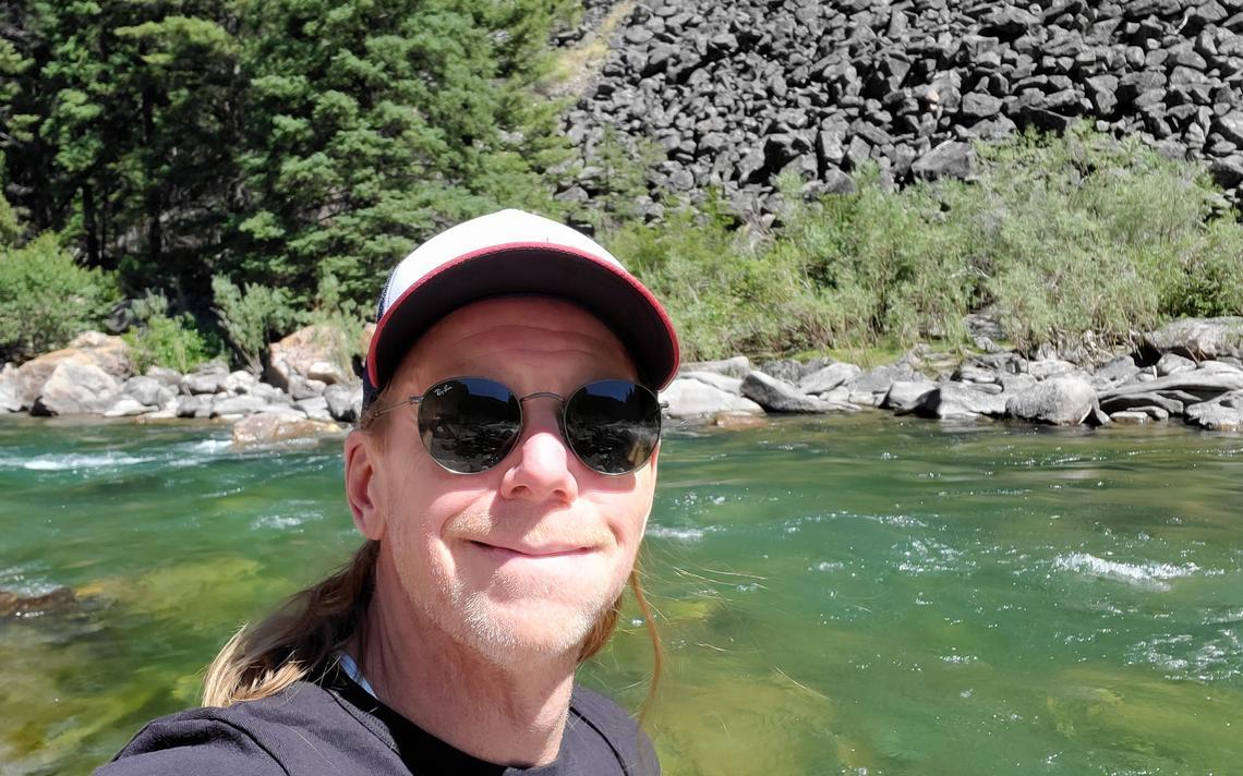 Après une course ardue vers le lac Lava, un petit temps d'arrêt à côté de la rivière Gallatin au sud de Bozeman, au Mont., A fourni des eaux glacées pour la récupération.  Steve Wagner / Service des nouvelles du forum